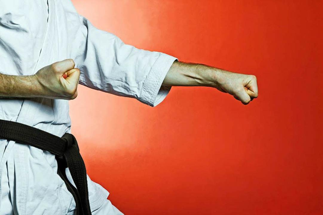Kampfsporttechniken lernt man besser i... als nachts im Hebelpark (Symbolbild).  | Foto: Blazej Lyjak (stock.adobe.com)