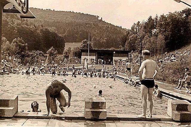Badespaß gab's schon vor dem Freibad