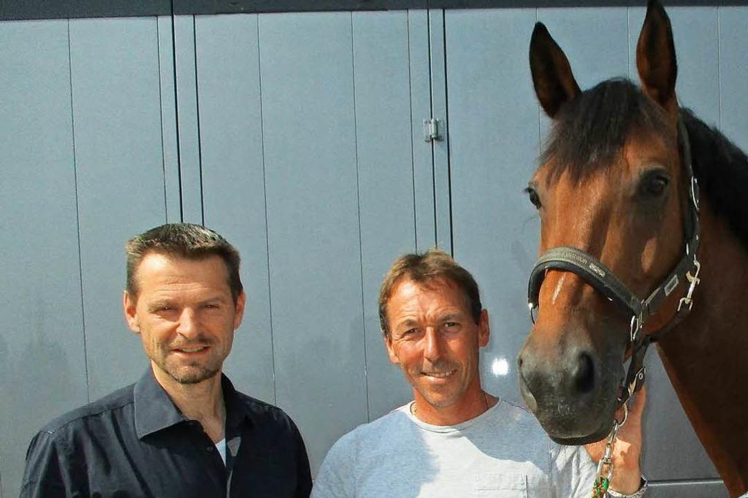 """Reitvereinsvorsitzender Thomas Westerm...Dreher mit Pferd """"Berlinda"""".    Foto: Renate Wendt"""