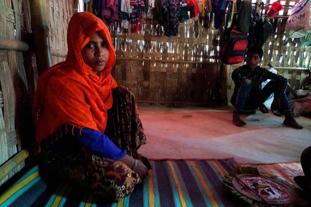 Hasina Begum in ihrer Notunterkunft im Flüchtlingslager Kutapalong  | Foto: willi germund