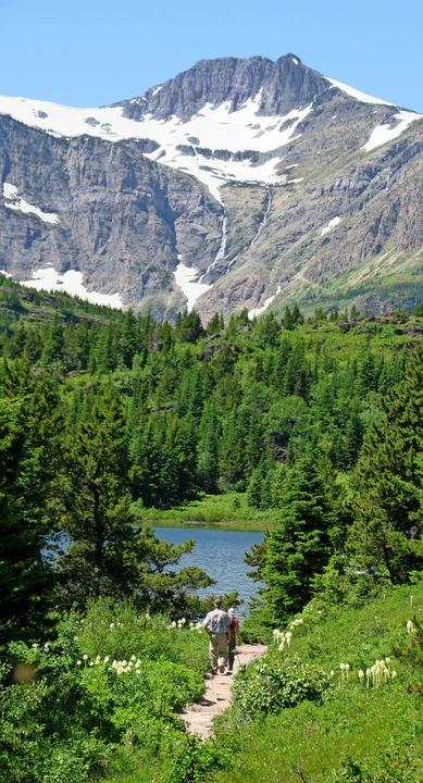 Hohe Berge, schimmernde Seen, gepflegt.... Happy in Montana: Ed Daniel (rechts)  | Foto: Christian Röwekamp