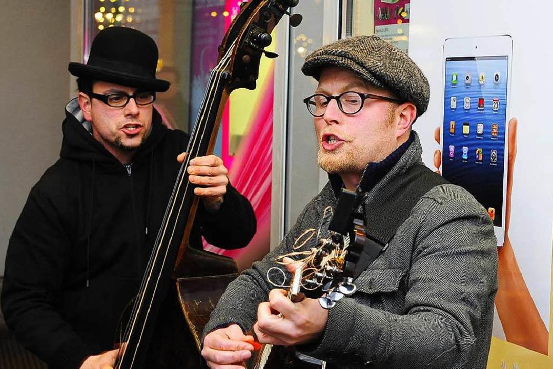Jan Gregersen ( Gitarre) Musiker aus H...1; natürlich unverstärkt (Archivbild).  | Foto: Thomas Kunz