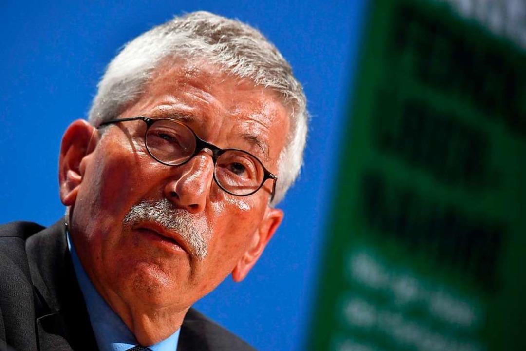 Der umstrittene Autor und Ex-Politiker...in Berlin sein neues Buch vorgestellt.  | Foto: AFP