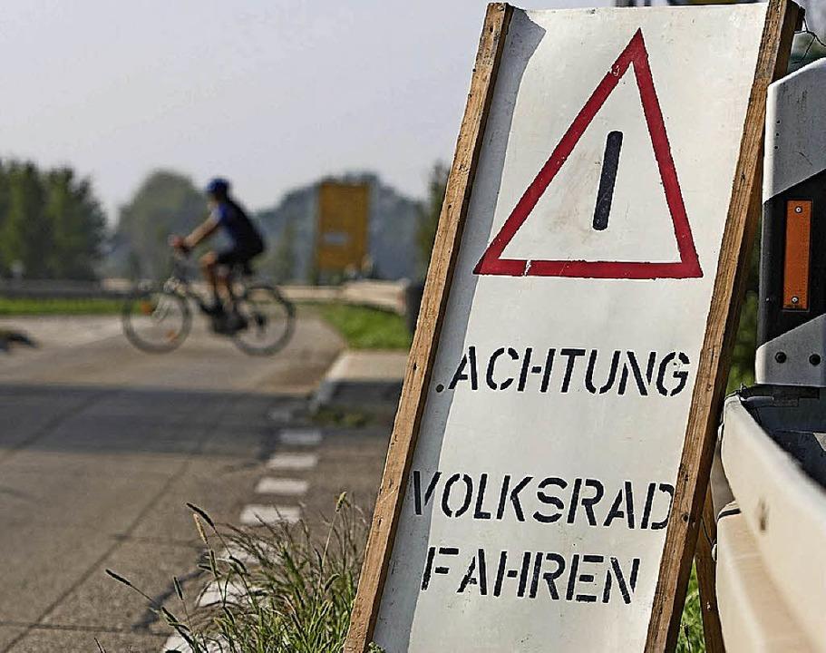 Trotz Warnschild gilt die Straßenverkehrsordnung.   | Foto: Patrik Müller
