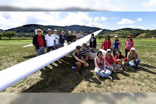 Studierende erproben sich im Segelfliegen