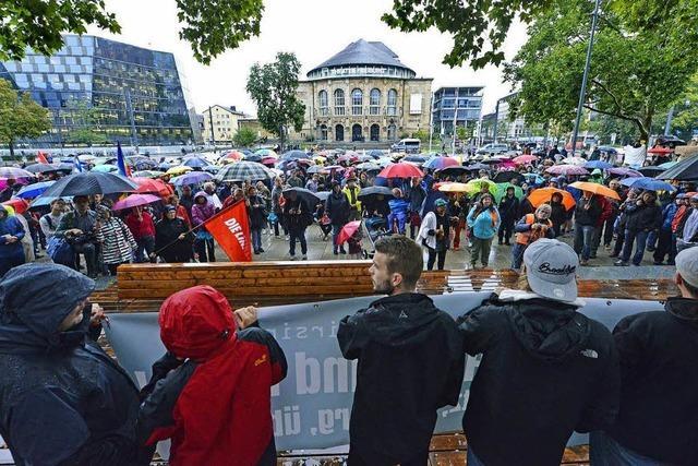 Videoumfrage: Das sagen die Teilnehmer der Demo gegen Rechts