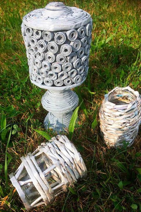 Elfete Ahmetaj fertigt Gegenstände rein aus Zeitungen.    Foto: Privat