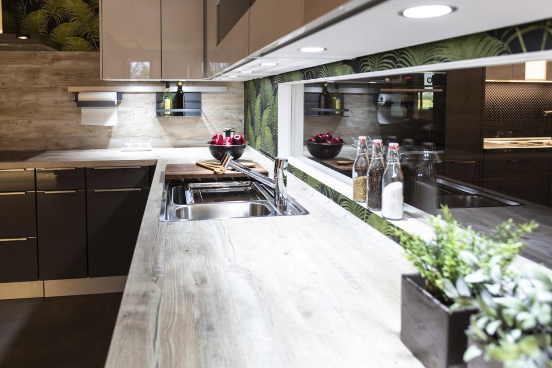 In der neuen Küchenausstellung von Fis...t schon die Küchentrends 2019 ansehen.    Foto: Fischen Küchenatelier GmbH