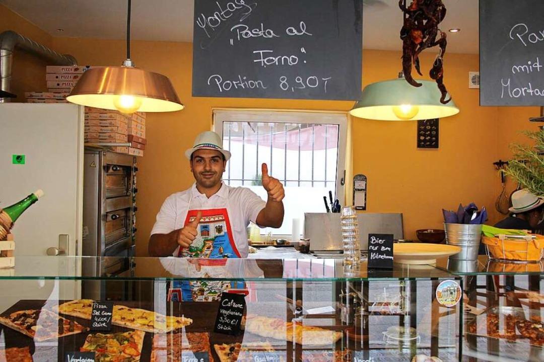 In der Beatzzeria hilft die ganze Fami...ber nur Benjamino ist nicht fotoscheu.  | Foto: Carla Bihl