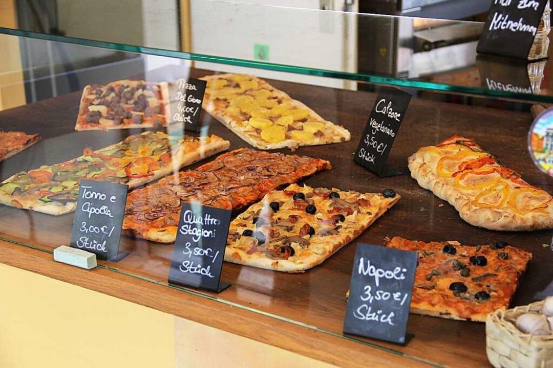 In der Beatzzeria in der Wasserstraße gibt es wieder Pizza auf die Hand.  | Foto: Carla Bihl