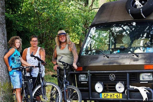 Ferienzeit im Hochschwarzwald: Wer rastet an der B 31 bei Titisee?