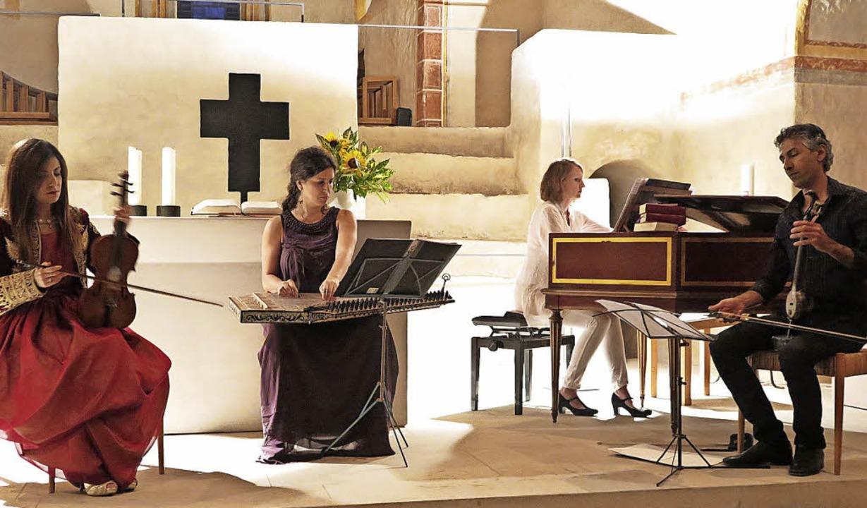Spannender Dialog von Ost und West: Im...ks) in der Sulzburger Kirche St.Cyriak  | Foto: Dorothee Philipp