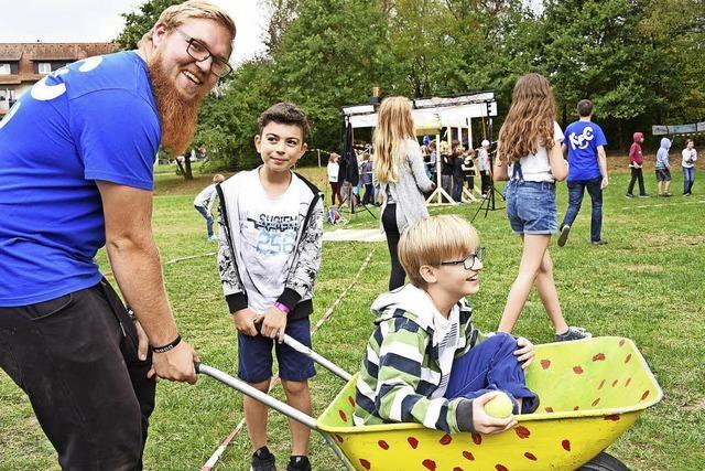 470 Kinder haben Spaß beim Kinderferienclub
