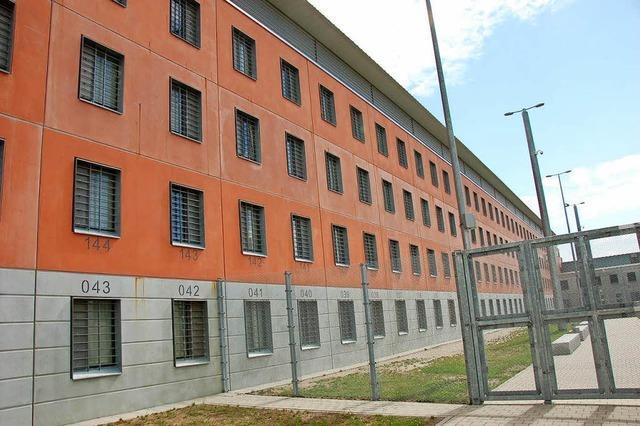 Löscheinsatz nach Brand in Gefängniszelle