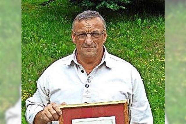 Schwarzwaldverein ehrt Horst Ortlieb mit Gold