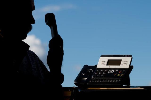 Falscher Polizeibeamter ruft bei acht Breisachern an – Polizei warnt vor Masche