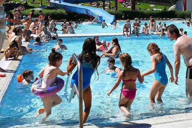 Der heiße Sommer beschert dem Kanderner Freibad ein Rekordjahr