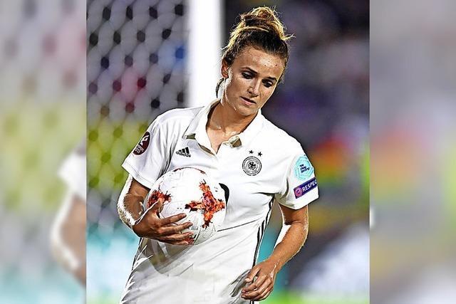 Hrubesch führt Fußballerinnen sicher zur WM