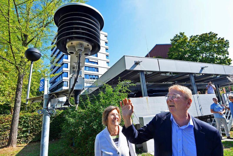 Schwarzkugelthermometer und andere Mes...g  mit Bürgermeisterin Gerda Stuchlik.  | Foto: Michael Bamberger