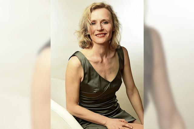 Push-up, Pillen & Prosecco. Maria Vollmer mit neuem Programm in Ettenheim