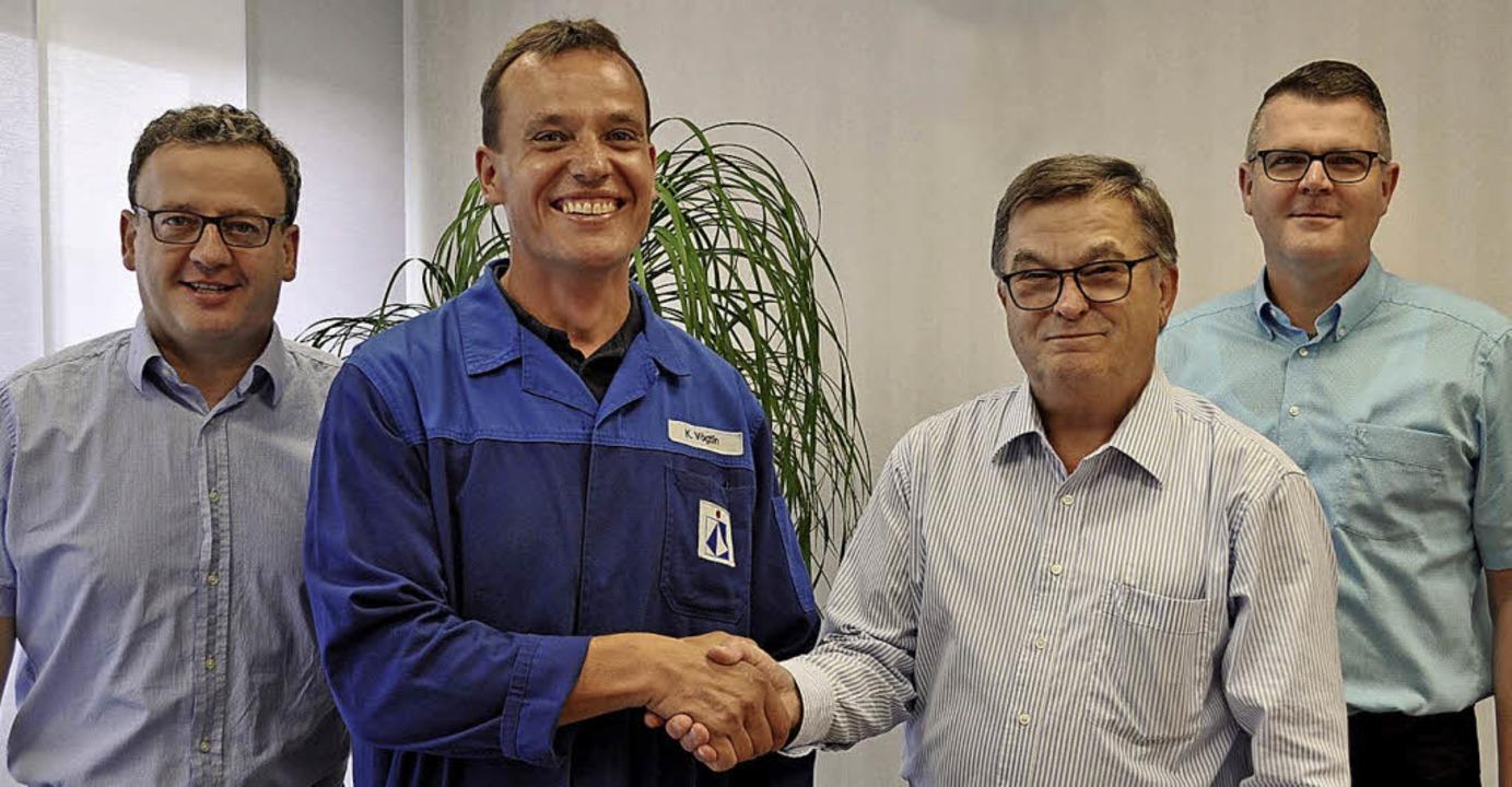 Mitarbeiterehrung bei Braunform (von l...kaufmännische Leiter Oliver Bornhäuser  | Foto: Braunform