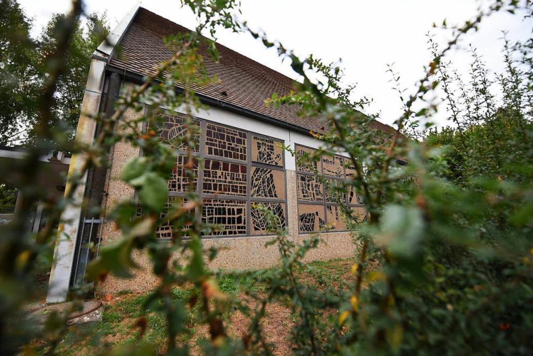 Die Filialkirche Heilige Familie in de... Oder droht dem Gotteshaus der Abriss?  | Foto: Jonas Hirt