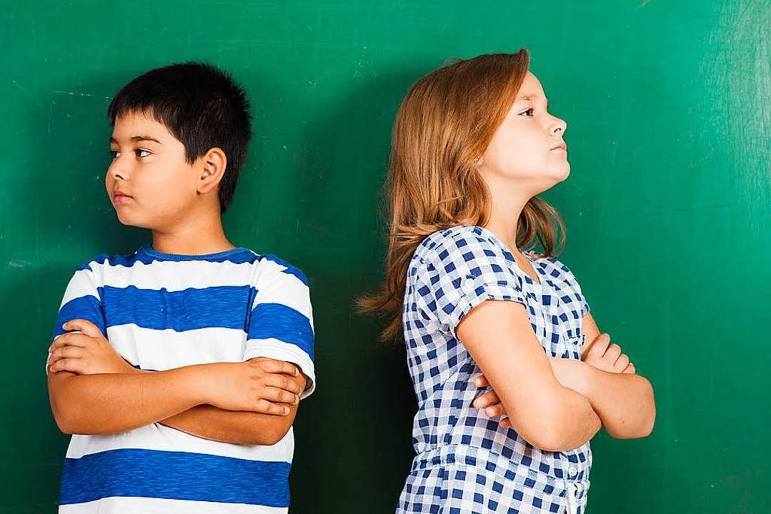 Streit unter Geschwistern? Eltern soll...indern Hilfe zur Selbsthilfe anbieten.  | Foto: Picture-Factory