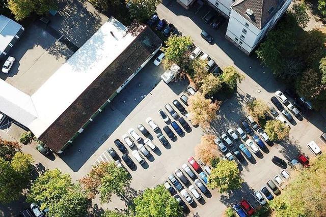 Warum auf diesen Behörden-Parkplätzen noch immer keine Wohnungen gebaut werden