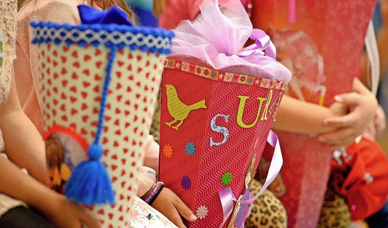 Gehört zur Ausstattung für Schulanfänger: die Schultüte.     Foto: Symbolfoto: DPA