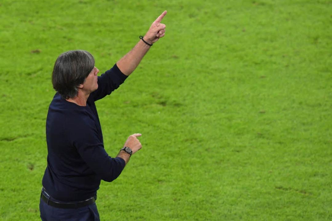 Der Bundestrainer weiß aber, dass die ...edergutmachung noch weiter gehen muss.  | Foto: dpa