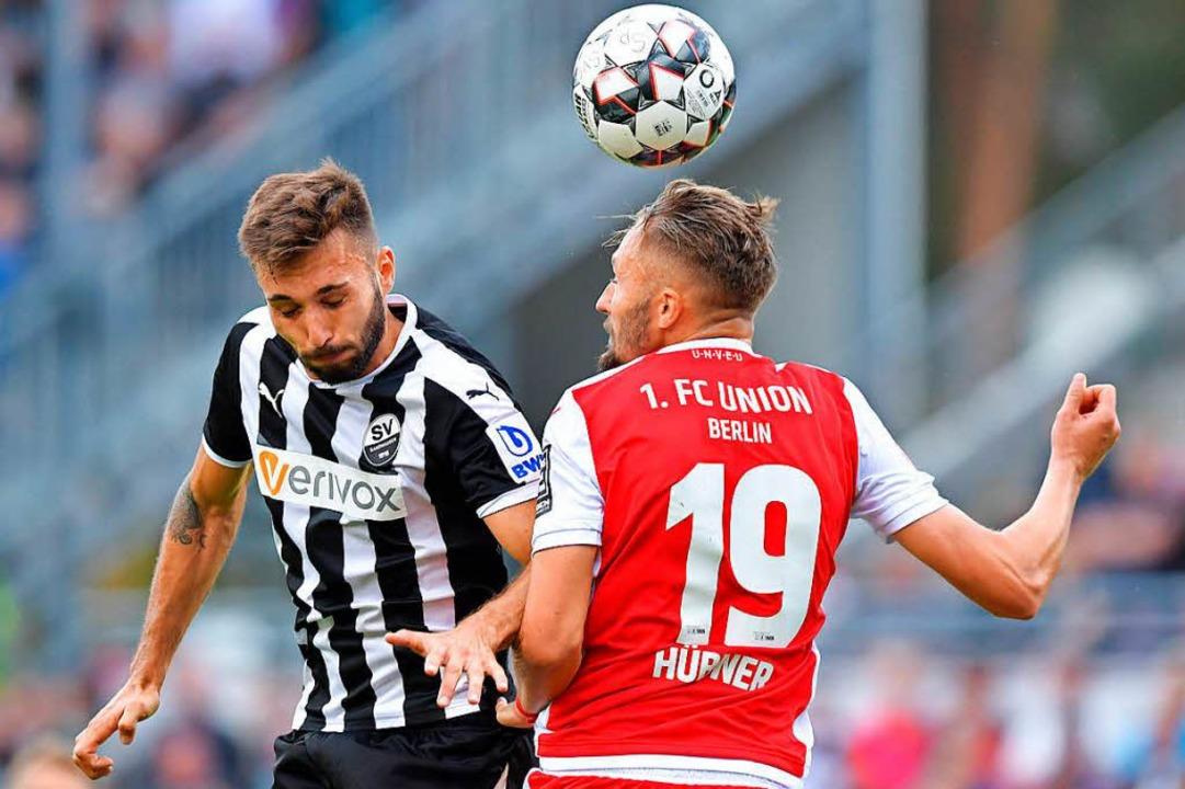 Robusten Zweikämpfen muss sich Schleus...n Unentschieden gegen Union Berlin.     | Foto: dpa