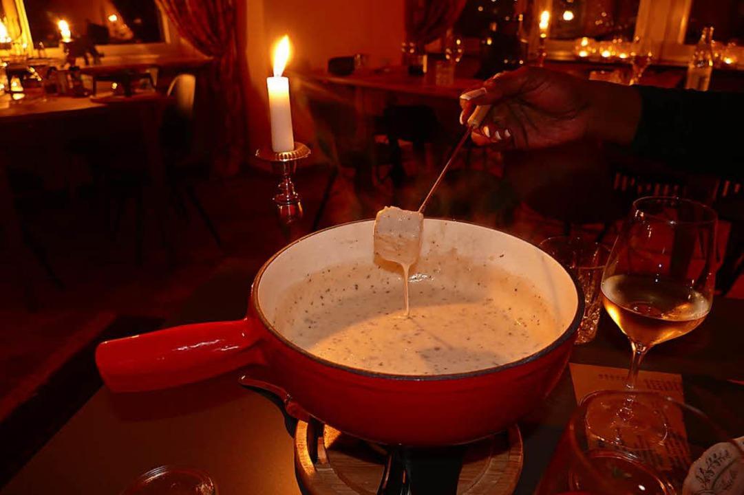 Käsefondue vom Sternekoch zubereitet &...diesen Winter wieder in Lörrach geben.  | Foto: Peter Gerigk