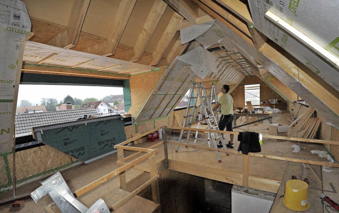 Der ausgebaute Dachspitz bietet bisher...und eine völlig neue Arbeitsatmosphäre  | Foto: Markus Zimmermann