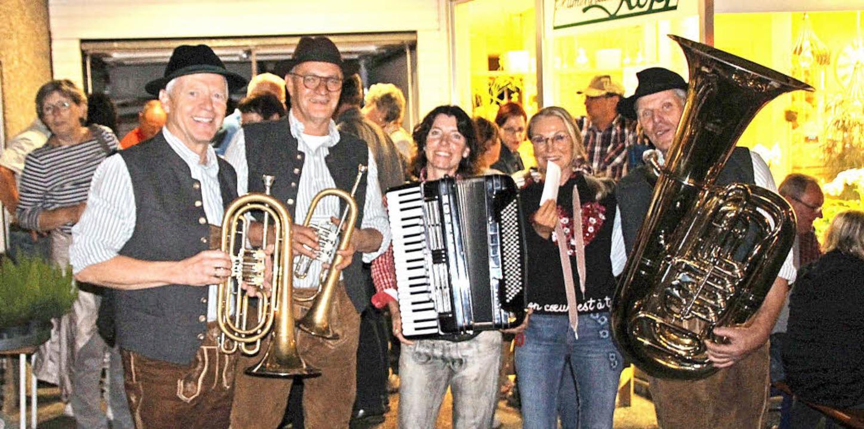 """Das Quartett der Brigachtaler """"B...spielt das ein oder andere Ständchen.     Foto: Ferdinand Harich"""