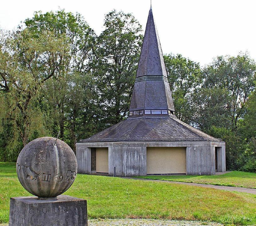 Die Vaterunser-Kapelle im Ibental wurd...des sechseckigen Grundrisses verteilt.  | Foto: Erich Krieger