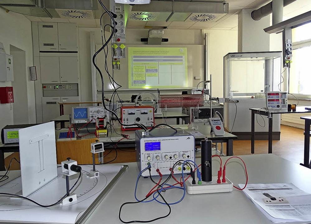 Blick in eines der neuen naturwissenschaftlichen Labore.   | Foto: Schule