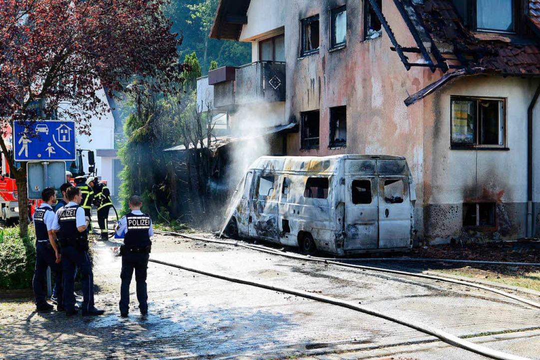 Der Brand machte zwei Familien wohnungslos.  | Foto: Ingo Schneider
