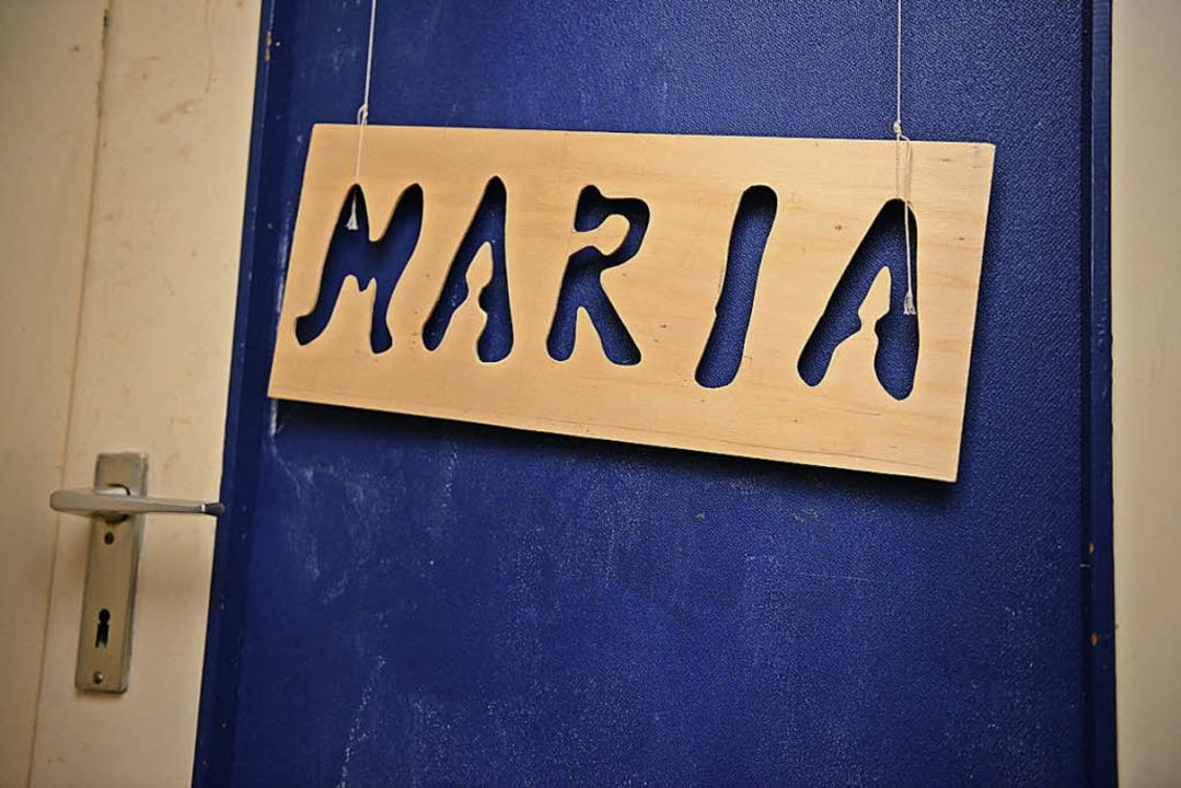 Türschild an Marias Zimmer in der Wohnung ihrer Mutter (fotografiert 2015).      Foto: seeger (dpa)