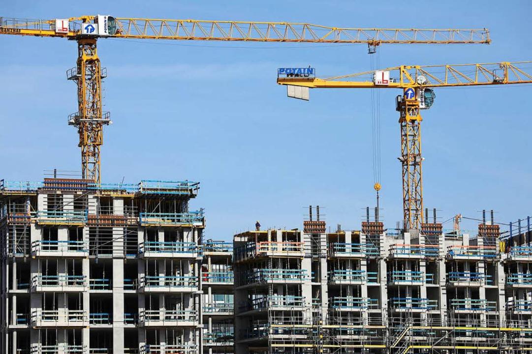 Neue – bezahlbare – Wohnun...rkt allein wird's nicht richten.  | Foto: dpa