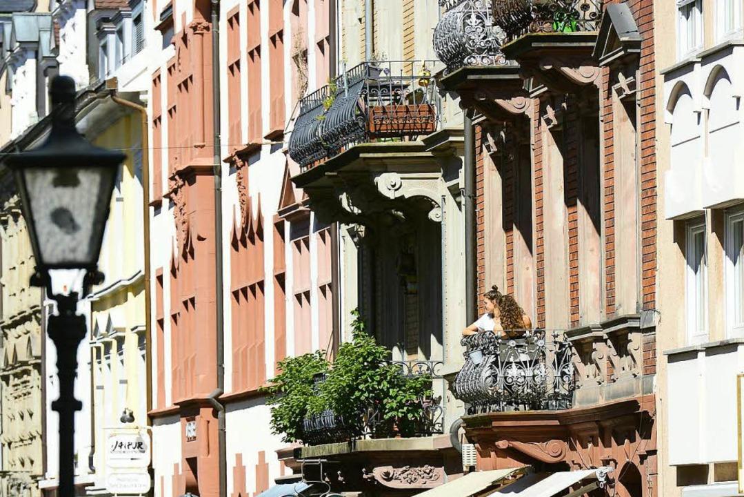 Altbauwohnungen  (hier Freiburg) sind ...8211; und für die meisten unbezahlbar.  | Foto: Ingo Schneider