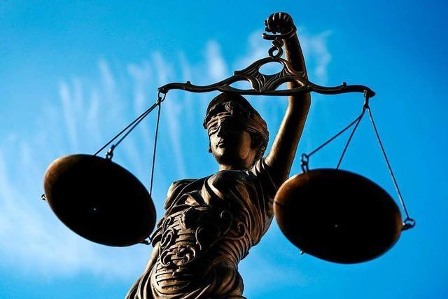 30-jähriger Familienvater wegen Raub, Betrug und Drogenhandel vor Gericht