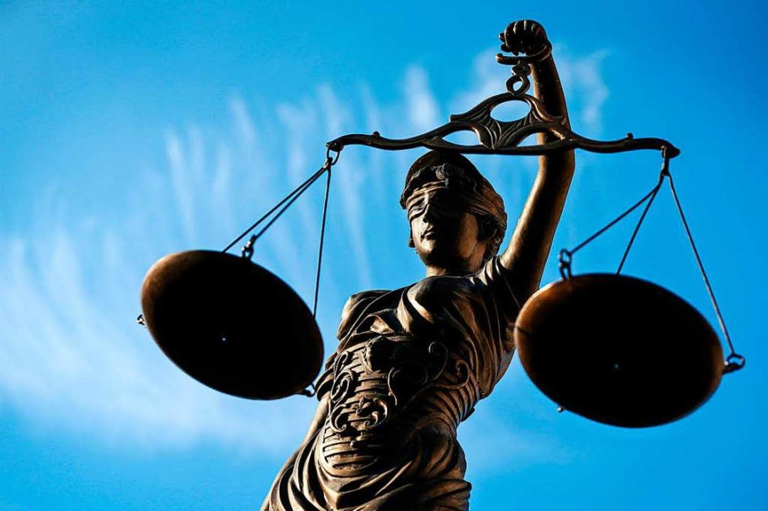 Statue der Justizia  | Foto: dpa