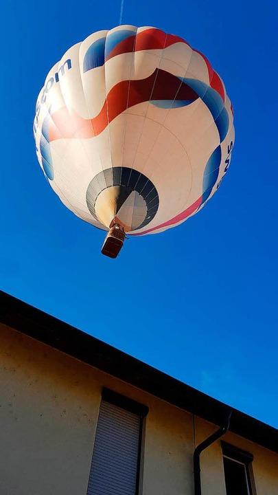 Heißluftballons bei ihrer Fahrt über das Dreiland.  | Foto: Bernhard Basler