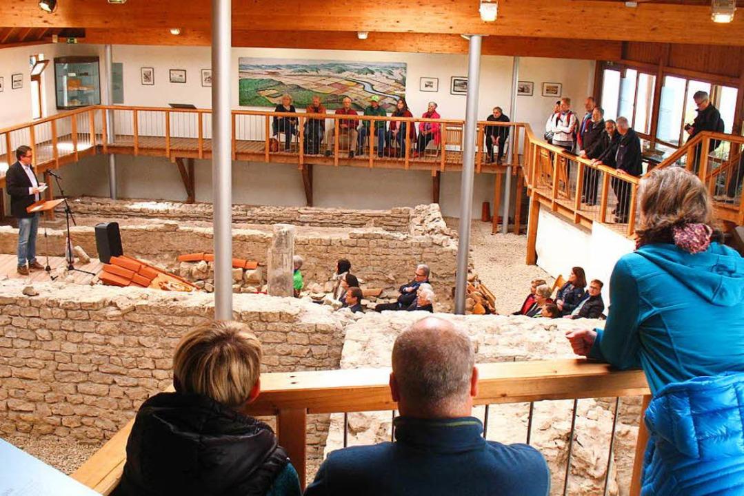 Die überbauten Mauern der  alten Römer...ufig als Kulissen für Veranstaltungen.  | Foto: Kreisarchiv