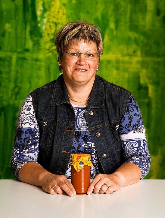 Silvia Marterer aus Fröhnd mit Tomatenmark  | Foto: Michael Wissing