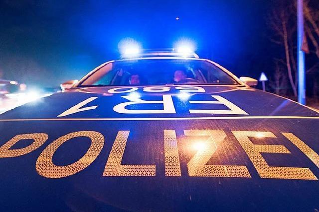 Polizei schlichtet Schlägerei mit 40 beteiligten Personen vor der Disco