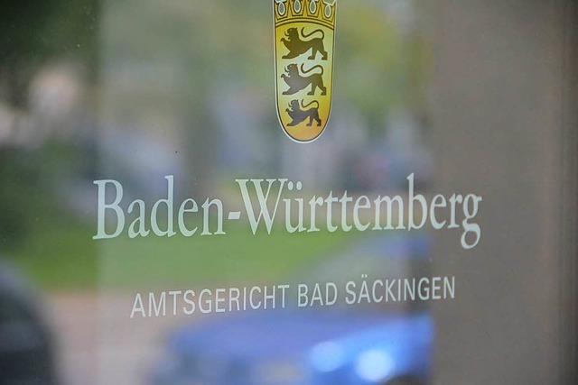 Weil er eine Joggerin umgefahren hat, steht ein Autofahrer in Bad Säckingen vor Gericht