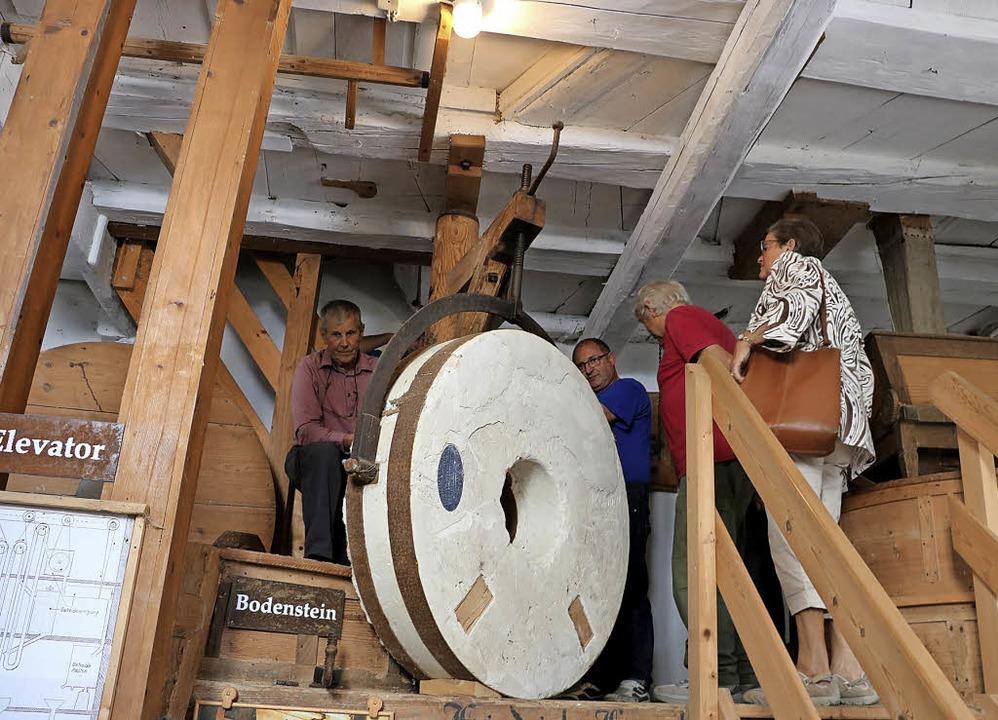 Das Mühlrad der Boller Mühle ist mit s...r wertvollsten, die es überhaupt gibt.  | Foto: Martha Weishaar