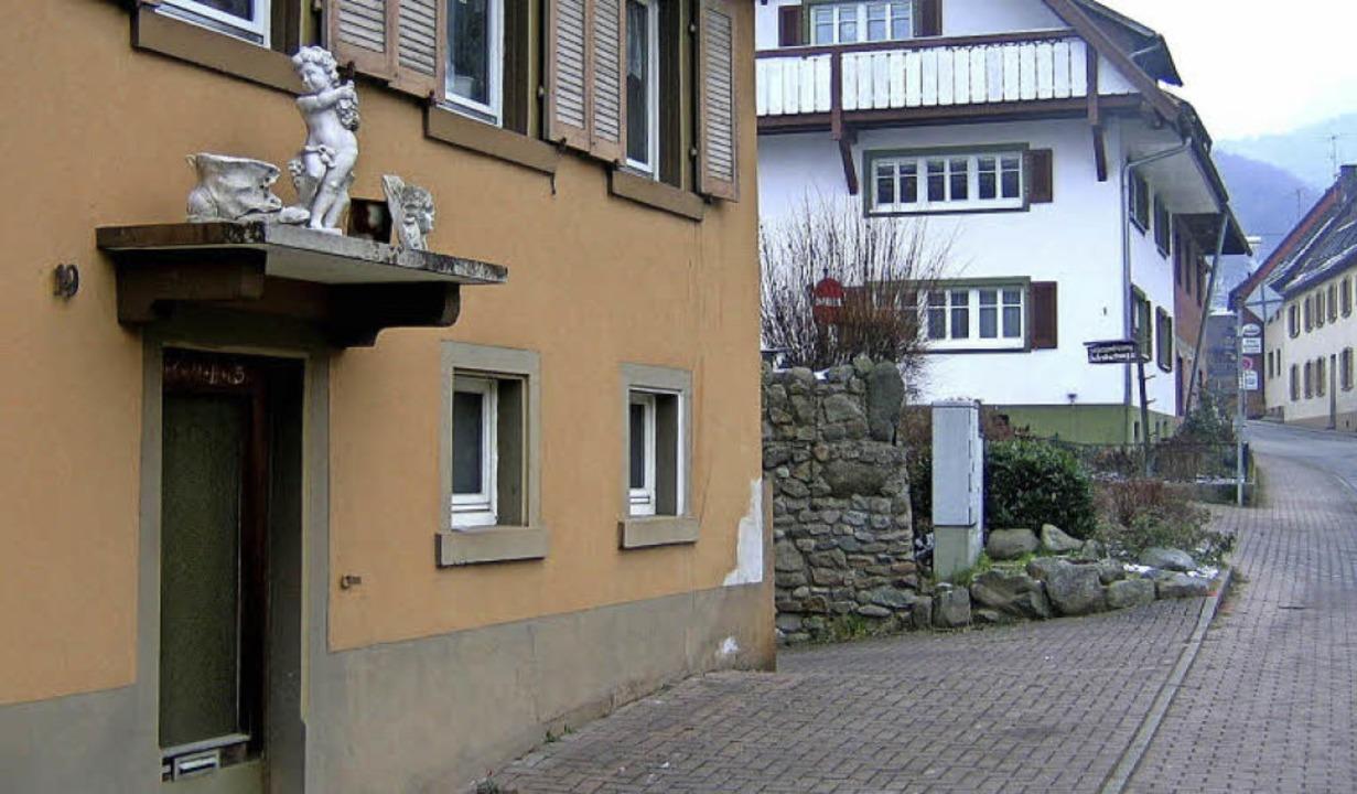 Nach der Hausnummer Ziegelplatz 19 folgt unmittelbar dahinter Neuhäuser 1.   | Foto: Manfred Lange