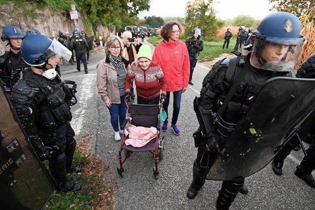 Polizei räumt Protestcamp